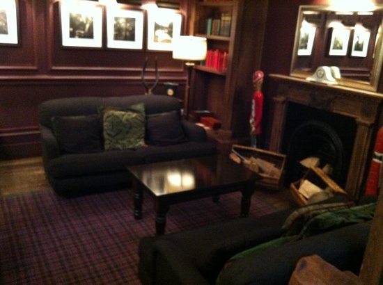 Hotel du Vin Cambridge :                   Lounge
