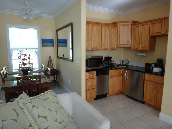 Travelers Palm Inn: Kitchen