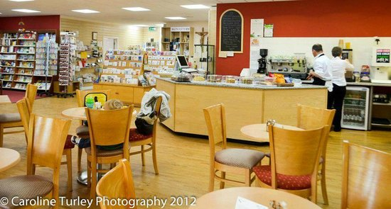 Gloucester, UK: Monastery Shop & Cafe
