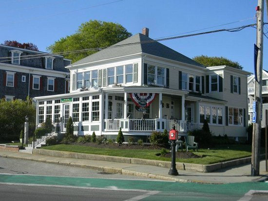 By The Sea Bed and Breakfast: prime corner