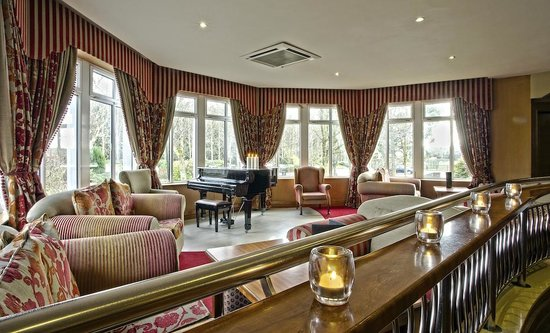 Fitzgerald's Woodlands House Hotel: Fitzy's Bar