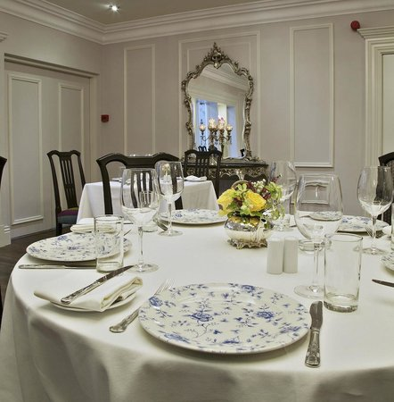 Fitzgerald's Woodlands House Hotel: Fieldings Restaurant