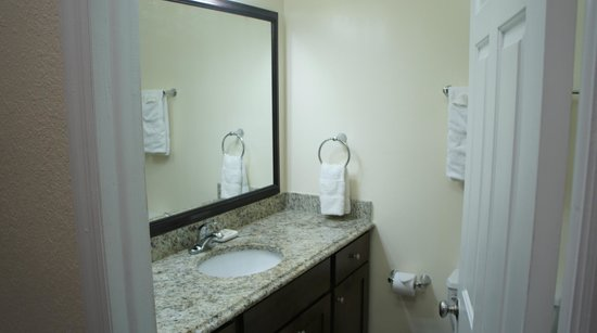 Bluebeard's Beach Club and Villas: Bathroom