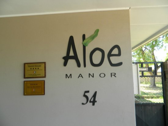 ‪Aloe Manor‬