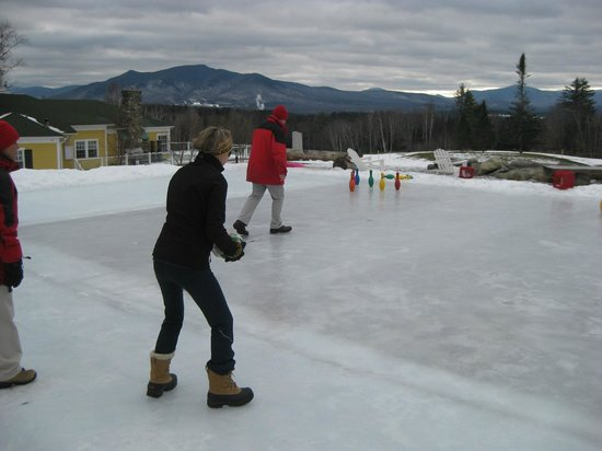 Mountain View Grand Resort & Spa:                                     Trying my hand at Chicken Bowling!