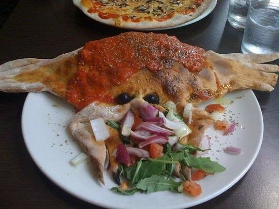 Romford, UK:                   Calzone Originale