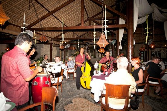 Tamukami Hotel: Dinning with live music