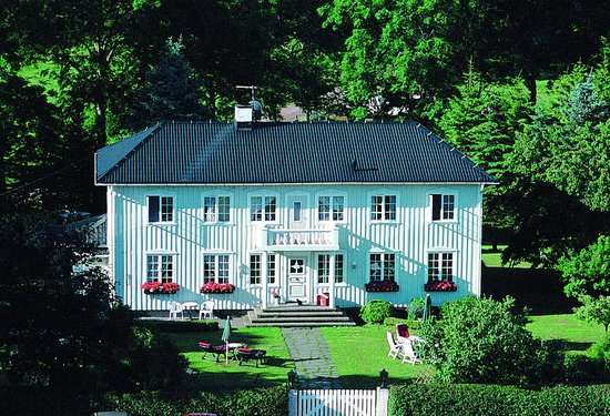 Nils-Martensgard Bed and Breakfast