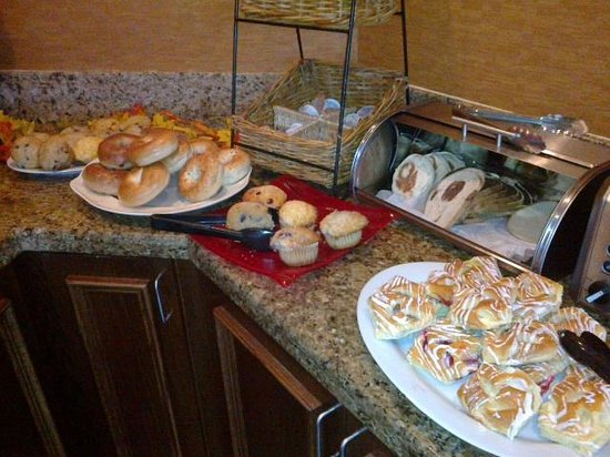 Holiday Inn Rockland:                   a good morning start
