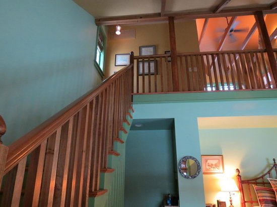 Woolverton Inn: Stairs to loft