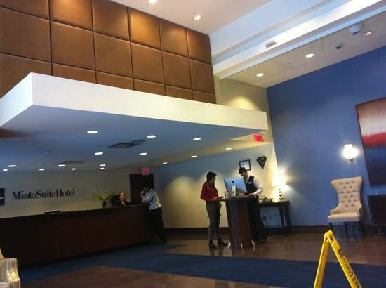 Minto Suite Hotel:                   the front desk