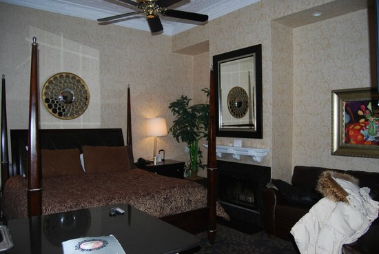 Chateau Inn &amp; Suites: notre chambre