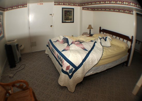 Kinzers, Pennsylvanie : Downstairs bedroom.