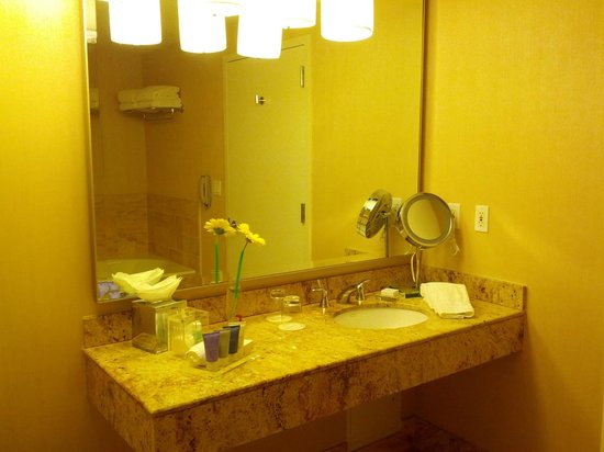 Conrad Miami: Bathroom - #1901 King Suite