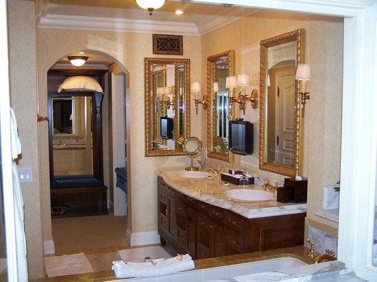 Fairmont Grand Del Mar: Bathroom