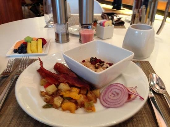 Renaissance Arlington Capital View Hotel: Some of the brunch offerings