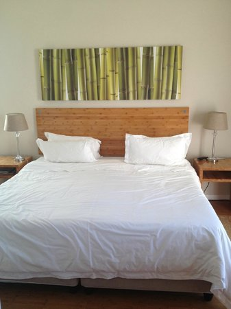 Bamboo Guest House: nice and good quality bed