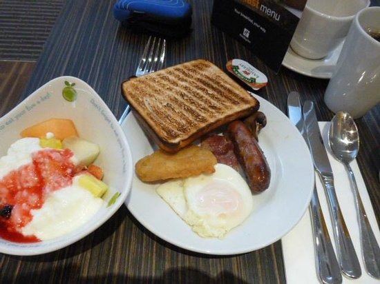 Holiday Inn London-Heathrow M4, JCT 4: ホテル朝食