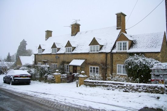 Great Rissington, UK: Easterleigh Cottage in a dusting of snow