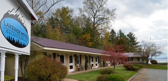 Westport Lakeside Motel
