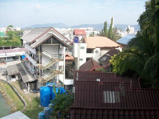 Club Bamboo Boutique Resort and Spa:                   building work