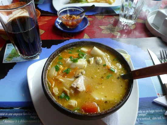 Kaimana Inn Hotel &amp; Restaurant: Delish fish soup at the Kaimana restaurant.