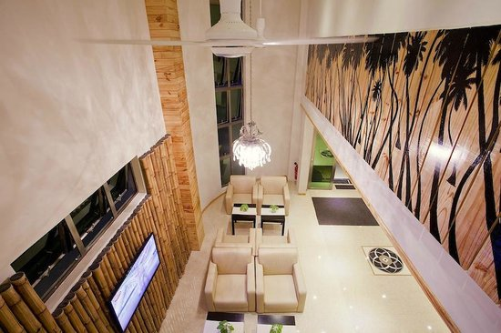 Maafushi: Areal View of Lobby