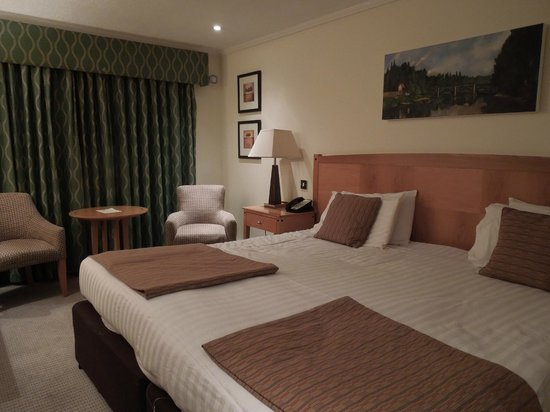 Tewkesbury Park Hotel, Golf & Country Club:                   View of our bedroom