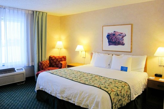 ‪‪Fairfield Inn & Suites Steamboat Springs‬: Standard King room‬