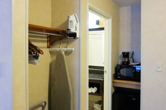 Fairfield Inn & Suites Steamboat Springs: Microwave, coffee maker, and mini fridge for your use (empty)