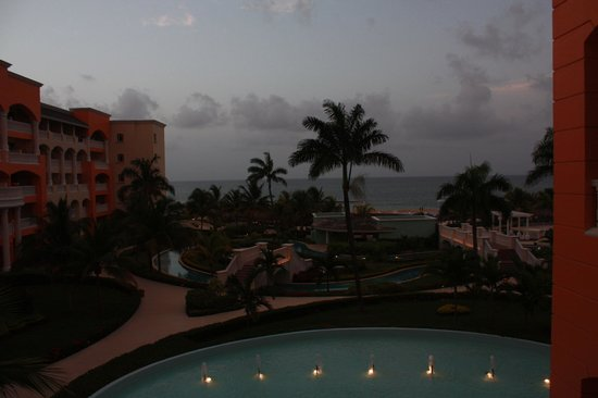 Iberostar Rose Hall Suites: View from lobby