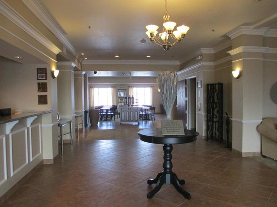 BEST WESTERN PLUS Frontier Inn: Lobby