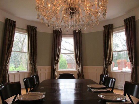 The Twelve Oaks Bed &amp; Breakfast:                   Dining Room