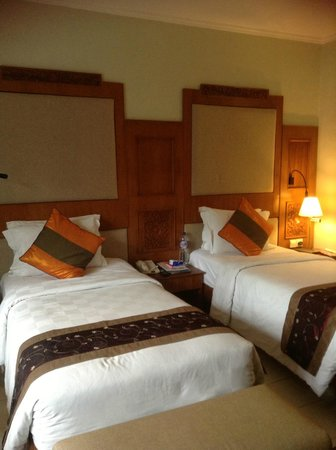 Rama Beach Resort and Villas:                   interconnecting rooms 2nd bedroom