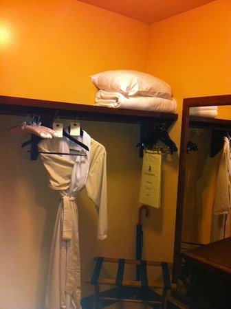 Hotel Granduca:                   Spacious closet