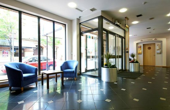 Travelodge Belfast City: Lobby