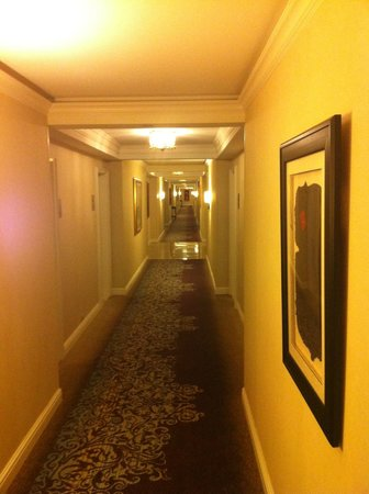 The Henry, Autograph Collection: Hallway