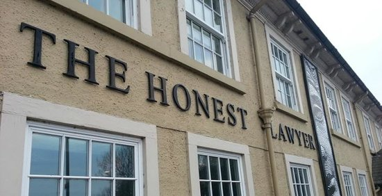 ‪The Honest Lawyer Hotel‬