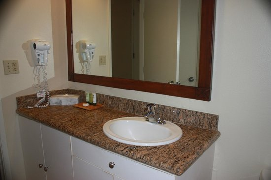 Aston Islander on the Beach: Bathroom vanity.