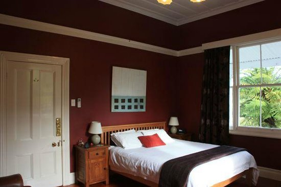 Lupton Lodge: part of the spacious bedroom