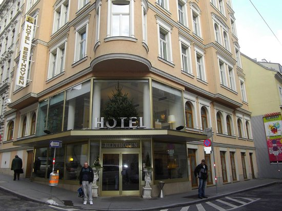 Hotel Beethoven Wien:                   Front  of  the  hotel