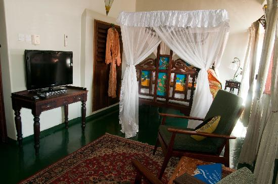 Zanzibar Palace Hotel: Decorated in soft tones, Rosewood is an ideal room for the energetic traveller, who want to rela