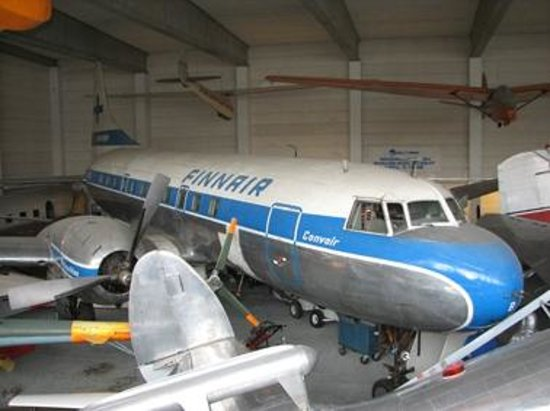 Convair 440 Metropolitan – Bild från Finnish Aviation Museum, Vantaa  TripAd