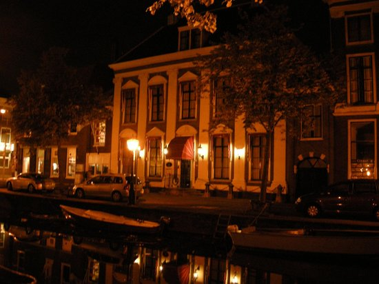 Hotel de Doelen:                   Attractive at night - quiet location on a canal.