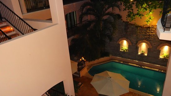 Acanto Hotel and Suites Playa del Carmen Mexico:                   This is taken in the evening, but there are two floors above so not to much su