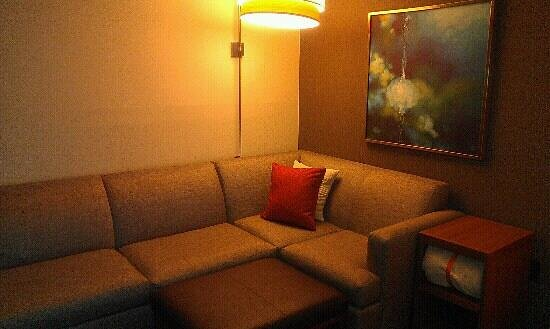 Hyatt Place Boston/Braintree:                   seating area