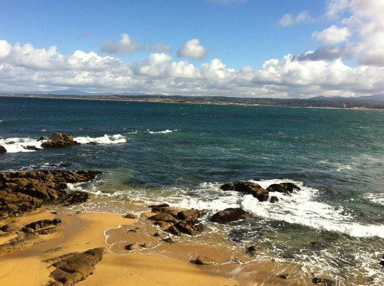 Marina, CA: Beach at Monterey boardwalk (good dining and shopping)