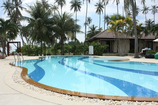 Centra Coconut Beach Resort Samui: pool. duh!