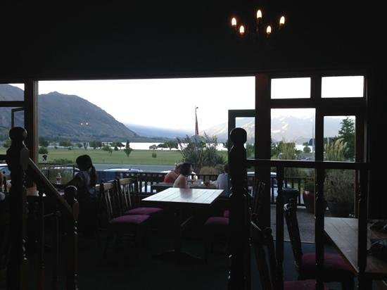 YHA Wanaka: from lobby
