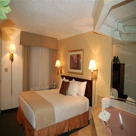 Hotel Aspen InnSuites Flagstaff / Grand Canyon: Pres Jacuzzi